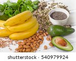 foods containing magnesium.... | Shutterstock . vector #540979924