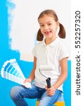 7 years old girl choosing a...   Shutterstock . vector #552257320