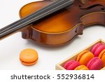 music break    old violin and... | Shutterstock . vector #552936814