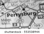 perrysburg. ohio. usa   Shutterstock . vector #553538944