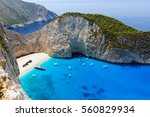 shipwreck bay with turquoise... | Shutterstock . vector #560829934