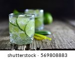 Sparkling Cold Water Detox Wit...