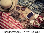 travel clothing accessories... | Shutterstock . vector #579185530