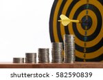 yellow dart hit in the center... | Shutterstock . vector #582590839