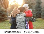 Usa Soldier Hugging His Family...