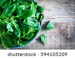 Fresh Green Baby Spinach Leaves ...