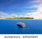 Big Safari Luxury Yacht Sailing ...