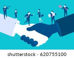 caute cartoon businesspeople... | Shutterstock . vector #620755100
