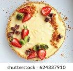 Strawberry, kiwi and chocolate pie