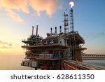 offshore construction platform... | Shutterstock . vector #628611350