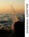 Small photo of Wave/ Splashing wave