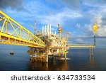 offshore construction platform... | Shutterstock . vector #634733534