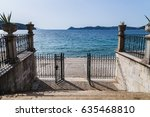 steps   a gateway pictured from ...   Shutterstock . vector #635468810