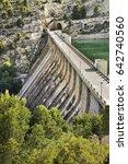 dam of the reservoir amadorio... | Shutterstock . vector #642740560