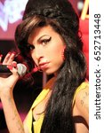 Amy Winehouse  London  Uk  ...