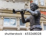 Statue Of The Pied Piper Of...
