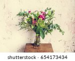 Small photo of Fresh Flowers in Vase Arrangement Decorative
