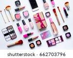 concept online shopping...   Shutterstock . vector #662703796
