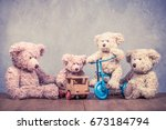 retro teddy bear toys family ... | Shutterstock . vector #673184794