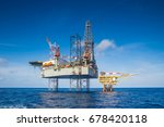 offshore oil and gas drilling... | Shutterstock . vector #678420118