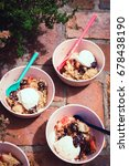 Small photo of Peach- blackberry crumble