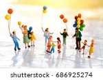 miniature people with family... | Shutterstock . vector #686925274