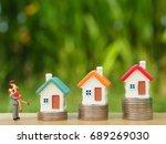 miniature people couple... | Shutterstock . vector #689269030