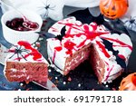 Bloody Halloween Cake   Red...
