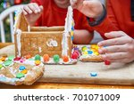 Kids Eat Gingerbread House On...