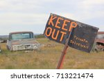 Small photo of Keep out !