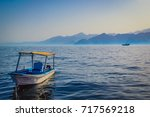 Oman Fishing Boat With Old Dho...