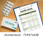 health check report chart... | Shutterstock . vector #719471638