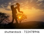 father and daughter playing at...   Shutterstock . vector #722478946