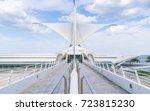 milwaukee art museum milwaukee... | Shutterstock . vector #723815230