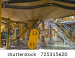 mining infrastructure ...   Shutterstock . vector #725315620