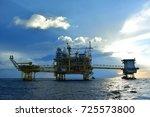 offshore construction platform... | Shutterstock . vector #725573800