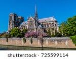 paris  france   april 8  2017 ... | Shutterstock . vector #725599114