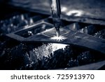 plasma cutting metalwork... | Shutterstock . vector #725913970