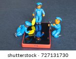 plasticine people cleaning and...   Shutterstock . vector #727131730