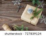 christmas gift box. christmas...   Shutterstock . vector #727839124