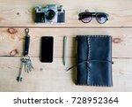 personal everyday accessories... | Shutterstock . vector #728952364