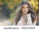 Woman Autumn Portrait. Fashion...
