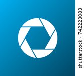 camera lens icon | Shutterstock .eps vector #742223083
