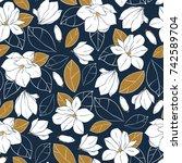 vector trendy seamless pattern... | Shutterstock .eps vector #742589704
