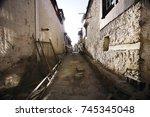 ancient doors in tibet