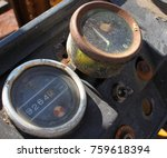 Dashboard Tractor Old