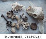 Vintage Key  White Coral  Hive...