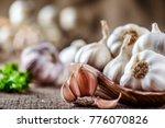 Garlic Close Up  Garlic Bulb ...
