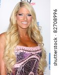 Постер, плакат: Kelly Kelly arriving at