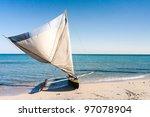 fishing dugout to anakao ...